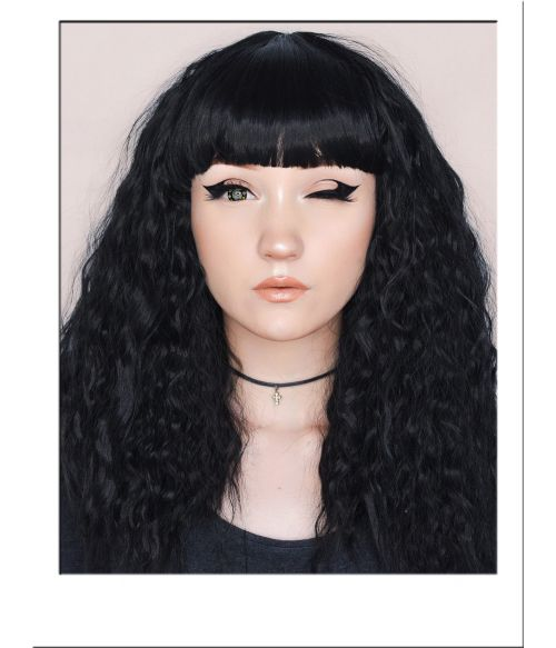 Crimped Black Wig With Bangs