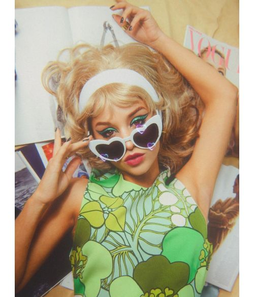 60s Beehive Wig Blonde Mod